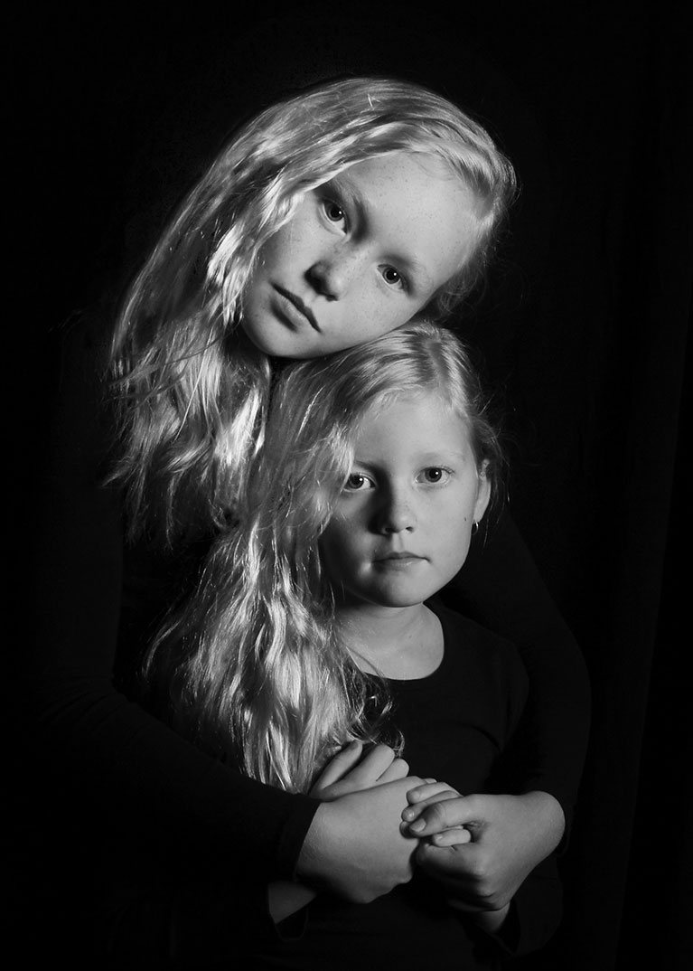 Help your school fundraising by booking into our fine art studio portraits sessions at Lauren Daniels Photography.